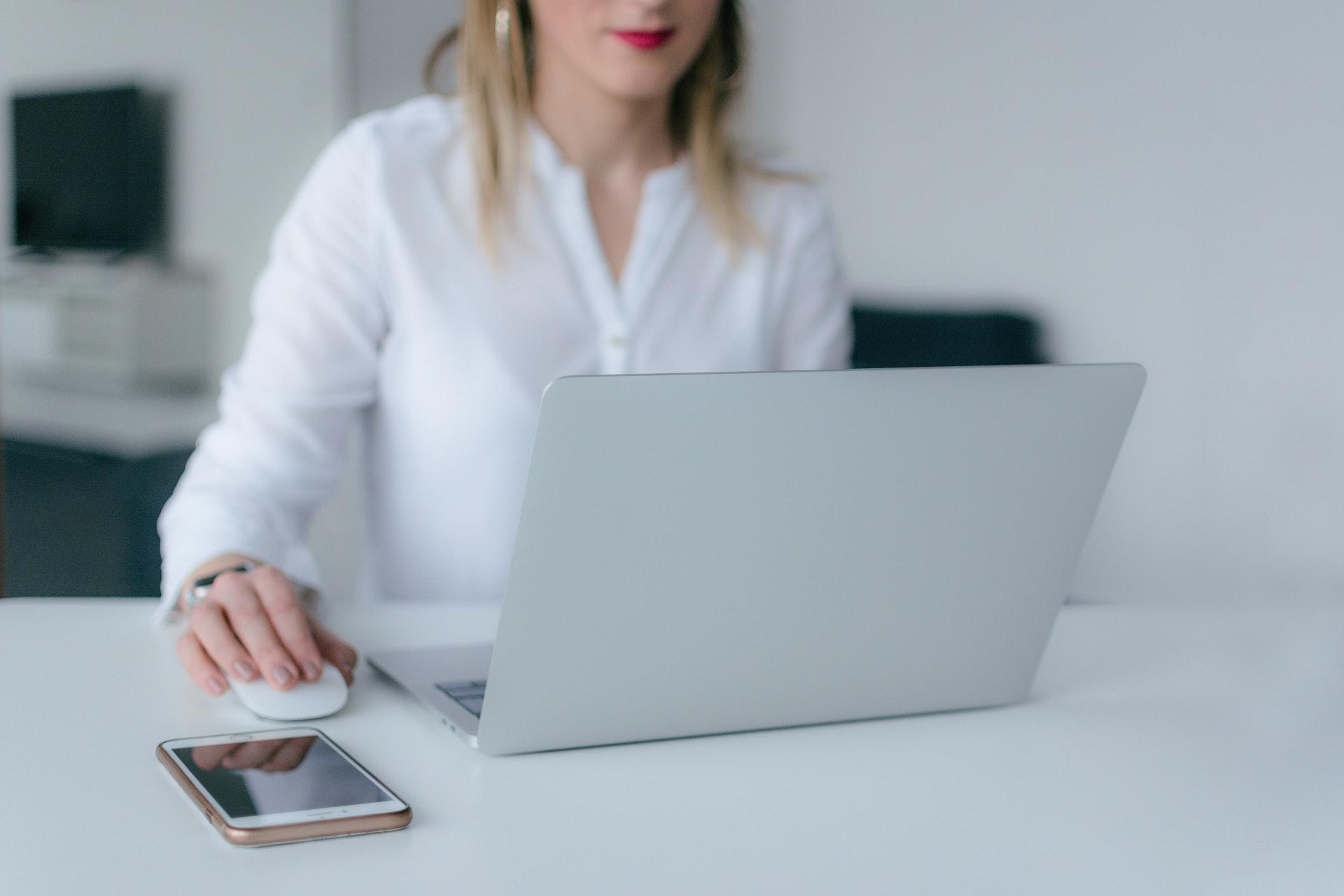 Jak zdobywać punkty edukacyjne przez internet? - Aptekarska Szkoła Zarządzania