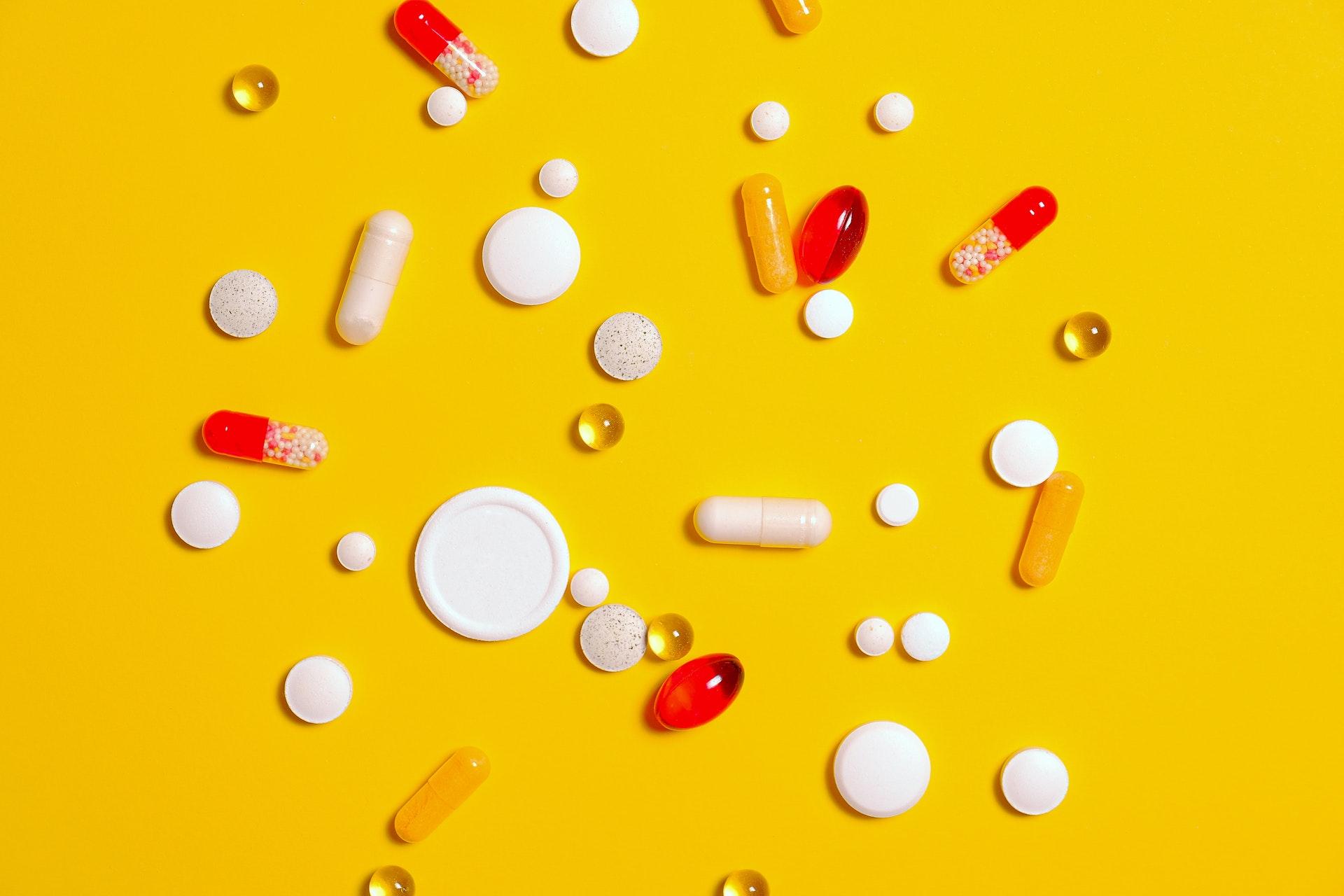 Recepta farmaceutyczna i recepta od farmaceuty – czym się różnią? - Aptekarska Szkoła Zarządzania